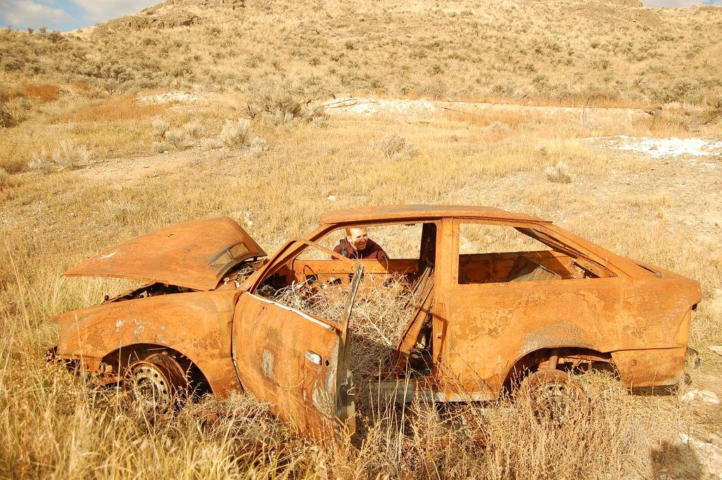 Rusty Car 18